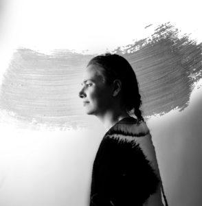 Menininkė Indrė Gražulevičiūtė-Vileniškė: tapyba ir piešimas man tarsi dienoraščio rašymas, tik ne žodžiais, o spalvomis ir formomis